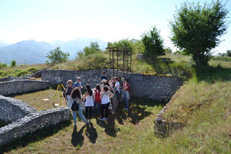 Rilevamento e ripresa con drone al sito archelogico di Alba Fucens